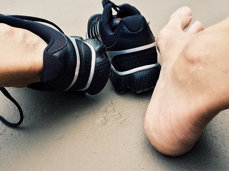 How to Stretch Shoes for Wide Feet?