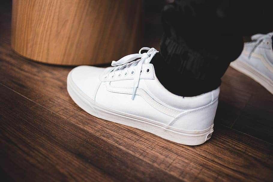 how to Clean White Vans Shoes